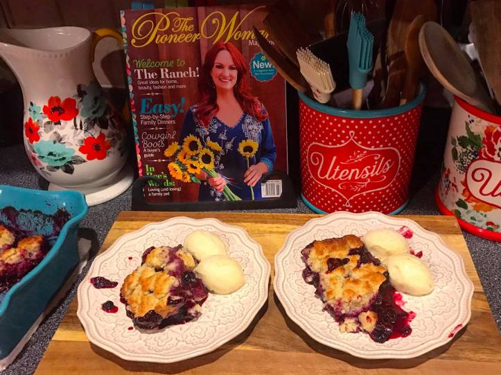 Blueberry Cobbler A Pioneer Woman Magazine Blast